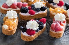 With this recipe you can bake mini slippers in three different variants: with . Dutch Recipes, Baking Recipes, Sweet Recipes, Cake Recipes, Mini Cakes, Cupcake Cakes, Cupcakes, No Bake Desserts, Just Desserts