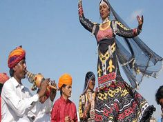 http://www.goexplore-india.com/grand-forts-and-palaces-of-rajasthan.php