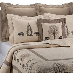 Instantly makeover your bedroom into a cabin retreat with the Donna Sharp Bear Creek Quilt. The beautiful quilt instantly creates a rustic look in any room with delicately embroidered black bears and trees on a soft ivory fabric. King Pillows, Pillow Shams, Quilt Bedding, Bedding Sets, Twin Quilt, Mountain Bedroom, Mountain Cottage, Rustic Bedding, Rustic Quilts