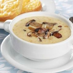 Slow cooker oyster and mushroom bisque. Creamy mushroom soup is enhanced with oysters and sherry. Very easy and delicious! Chicken Broth Recipes, Hearty Soup Recipes, Mushroom Soup Recipes, Slow Cooker Recipes, Cooking Recipes, Mushroom Bisque, Creamy Mushroom Soup, Creamed Mushrooms, Stuffed Mushrooms