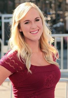Bethany Hamilton... one of my biggest inspirations. A girl with unwavering faith. This girl knows how to praise God in the storm.
