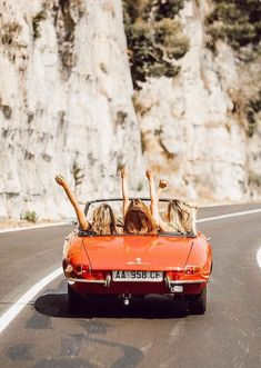 When you close your eyes, choose a spot on a map, and go on a spontaneous road trip with your besties. Because you only have one life. Photo via on her road trip in Italy. Auto Girls, Girls In Cars, Summer Aesthetic, Aesthetic Korea, Orange Aesthetic, Travel Aesthetic, Best Friend Goals, Road Trippin, Adventure Is Out There