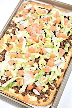 Weight Watchers Taco Pizza – BEST WW Sheet Pan Pizza Recipe – Dinner – Lunch – Treat – Appetizers - Snack with Smart Points, Taco Pizza Recipes, Ww Recipes, Dinner Recipes, Weight Watchers Snacks, Weight Watcher Dinners, Sheet Pan Pizza Recipe, Recipe Sheet, Good Pizza, Appetizers For Party