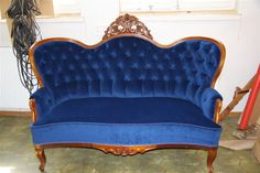 Love this victorian sofa!