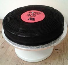 AnnieThing for Food: 40th Birthday Record Cake