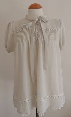 Vintage Blouse / Cream Victoriana Bow Lace by jenniferlillydesigns, $25.00