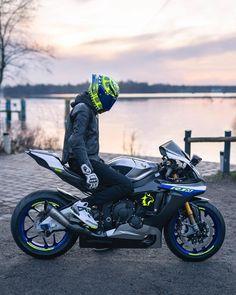 Yamaha Bikes, Yamaha R1, Ducati Scrambler Custom, Bike Photoshoot, Moto Bike, Sportbikes, Poses, Motorcycle Helmets, City Art