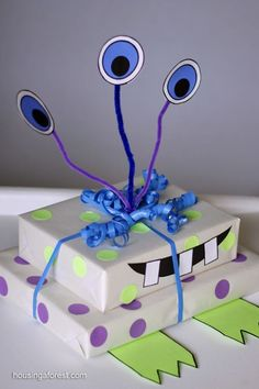 Monster Gift Wrapping ~ Creative Birthday Gift Wrapping Idea for Kids by Nina<3