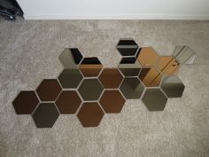 Throughout my scowering of the internet for affordable decoration ideas, I came across a post where someone had put together a mirror collage made up of hexagon shaped mirrors. Mirror Decor Living Room, Teen Room Decor, Honeycomb Wallpaper, Wall Art Wallpaper, Farmhouse Wall Decor, Metal Wall Decor, Decoration, Ikea Mirror Ideas, Wall Mirror