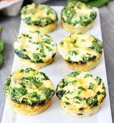 Low-Cholesterol Recipes That Truly Taste Delicious Egg muffins with sausage, spinach, and cheese are a delicious low-cholesterol recipe.Egg muffins with sausage, spinach, and cheese are a delicious low-cholesterol recipe. Easy Egg Breakfast, Breakfast Dishes, Healthy Breakfast Recipes, Brunch Recipes, Healthy Snacks, Healthy Recipes, Breakfast Muffins, Breakfast Energy, School Breakfast