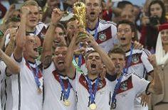 So sehen Sieger aus: Deutschland ist Weltmeister! Die Feier-Bilder der WM-Helden in der Klickstrecke. Foto: dpa