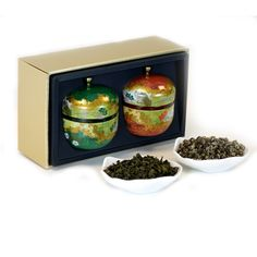 PREMIUM TEA GIFT SET This luxury gift contains two attractive Japanese desin style tins and two preium teas. Tea Gift Sets, Tea Gifts, Premium Tea, Beautiful Gift Boxes, Dog Bowls, Hand Painted, Teas, Japanese, Luxury