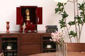 """小型仏壇勾玉αインテリアにも溶け込みます。""""MAGATAMA"""" Wooden Jewelry box in Japanese cypress and Hida-shunkei Finish."""