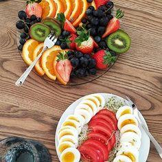 Judith Breistein (@cucumberandlime) • Instagram-bilder og -videoer Judith, Buzzfeed Food, Food 52, Kiwi, Fruit Salad, Love Food, Strawberry, Lunch, Homemade