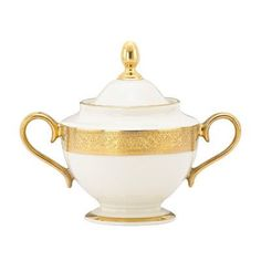 Handcrafted by Lenox since the Westchester sugar bowl reflects an era of opulent fine dining in elegant bone china. A lustrous ivory hue and bands of etched gold bring old-world grandeur to today's formal settings. Sugar Bowls And Creamers, Milk Jug, Classic Elegance, Gold Texture, China Porcelain, Fine Dining, Dining Table, Bone China, Dinnerware