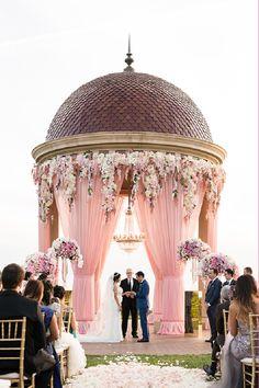 15 Dreamy Wedding Ceremony Ideas for A Fairytale Affair