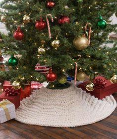 Winter Wonderland Tree Skirt Free Knitting Pattern in Red Heart Yarns
