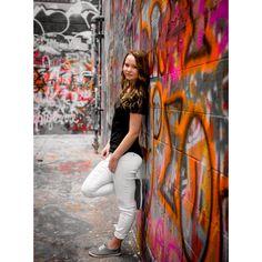 Girl Senior Picture- Graffiti Wall