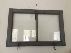 Beiset gammelt vindu.