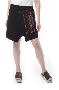 Falda cruzada, realizada en punto roma de color negro. Tiene cinturilla elástica. Cremallera de adorno en el delantero, con bordado de aplicación. Waist Skirt, High Waisted Skirt, Color Negra, Sequin Skirt, Sequins, Spring Summer, Skirts, Fashion, Elastic Waist