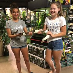 First time snake holders at Reptile Rapture. Guess what they went home with? Reptile Store, Reptiles, First Time, Snake, Kids, T Shirt, Women, Fashion, Young Children