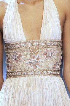 Ceinture en transparence, brodée, rebrodée de perles, paillettes  Valentino Haute Couture Spring 2007