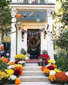 Thanksgiving Outdoor Decoration Ideas Inspirational 80 Elegant Ways to Decorate for Fall Fall Decor Autumn Decorating, Porch Decorating, Decorating Ideas, Fall Home Decor, Autumn Home, Outside Fall Decorations, Halloween Decorations, Halloween Fun, Halloween Mantel