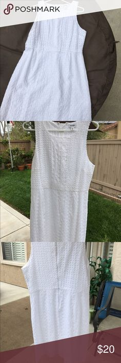 Eyelet Dress from Old Navy Barely worn white Eyelet Dress. Perfect for spring or country concerts with boots. 😊 Old Navy Dresses Maxi