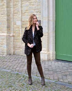 Polished Cats: Outfit - Leopard Khaki