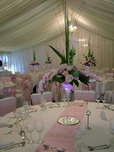 Wow factor wedding flowers by B1 blooms