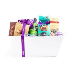 Cos de Paste Tutti Frutti, cos cadou elegant in cutie alba imaculata! Cos cadou pentru cei dragi sau pentru mediul corporate!