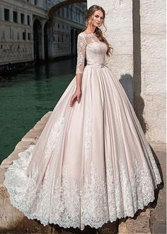 Buy discount Glamorous Tulle Bateau Neckline Ball Gown Wedding Dress With Lace Appliques & Beadings & Belt at Dressilyme.com #laceweddingdresses