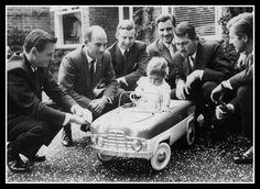 Bruce McLaren, Stirling Moss, Tony Brooks, Graham Hill, Jo Bonnier, Wolfgang von Trips, Damon Hill (young)