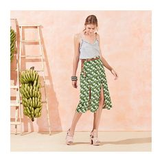 Fendas na saia (Maria Filó) Lovely Dresses, Skirt Outfits, Thrifting, Ideias Fashion, Backdrops, Photoshoot, Summer Dresses, Studio, Instagram Posts