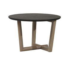 Bijzettafel Medley van essenhout, ook leverbaar in off-white en als salontafel. Maatvoering: 60 cm rond en 38 cm hoog. € 135,-