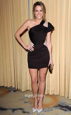 Shared by Shantel VanSanten Legs Beautiful Celebrities, Beautiful Actresses, Beautiful Legs, Gorgeous Women, Shantel Vansanten, Blond, Great Legs, Jennifer Morrison, Laura Vandervoort