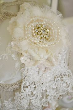 Ivory and Pale Yellow Lace Gillyflower - Handmade lace brooch