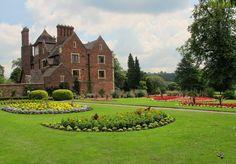 Wollescote Park