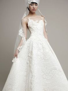 Vestidos-de-novia-en-Barcelona-wedding_YolanCris_Yolan_Cris_REQUENA-1