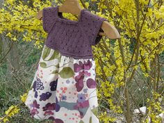 """Ravelry: robe d'été en tricot et liberty pattern by Sandrine Bianco Free Pattern Rowan 4 Ply Cotton Fingering / 4 ply (14 wpi) ? 27 stitches and 37 rows = 4"""" US 2½ - 3.0 mm 186 yards (170 m) Sizes: 2 and 4 years"""
