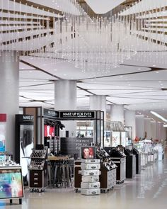 Nulty - Paragon Department Store, Bangkok - Retail Beauty Hall Feature Chandelier Lighting Design