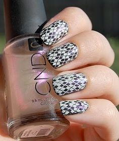 """You will really """"nail it"""" with this argyle designed nail pattern."""