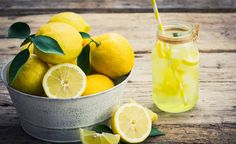 We all love lemonade or a slice in our water. But there's more to lemons than that! Check out these amazing lemon health benefits you might not know of. Nutrition Holistique, Holistic Nutrition, Nutrition Classes, Home Remedies, Natural Remedies, Herbal Remedies, Boil Lemons, Lemon Health Benefits, Fresh Lemon Juice