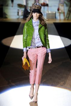 Unlikely combination, but total perfection. Coat, purse, hat, shoes = to. die. for. Dsquared2. Milan. Fall/Winter 2012 RTW. Follow pins and tweets @GiselleUgarte