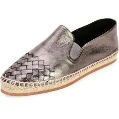 Bottega Veneta Metallic Intrecciato Espadrille Flat (1.340 BRL) ❤ liked on Polyvore featuring shoes, shoes flats espadrille, woven slip on shoes, flat pumps, espadrille flats, flat slip on shoes and woven shoes