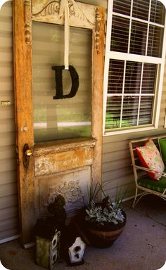 40 Creative Ways to Repurposed an Old Door - Vintage furniture that reuses and recycles old wood doors looks attractive and original. Creative recycled crafts and furniture design projects offer great inspiration for recycled old door tables by Joey Vintage Doors, Antique Doors, Vintage Door Decor, Old Windows, Windows And Doors, Old Door Tables, Old Door Projects, Diy Projects, Garden Projects