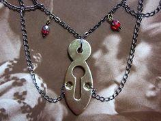 Keyhole Kate necklace