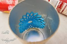Smilla's sense of living: DIY: concrete candle holder / candle holder made of cement Cement Art, Concrete Cement, Concrete Crafts, Concrete Projects, Concrete Design, Concrete Planters, Concrete Candle Holders, Papercrete, Diy Candles