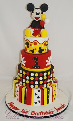 What an awesome Mickey Mouse 1st birthday cake!