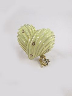 Angelic Pretty: Cream Heart ring in ivory
